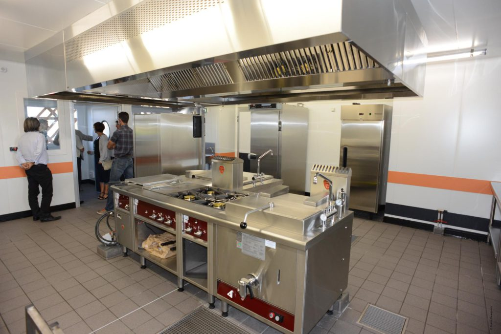 Un service restauration scolaire moderne pour le bien tre for Emploi cuisine centrale restauration